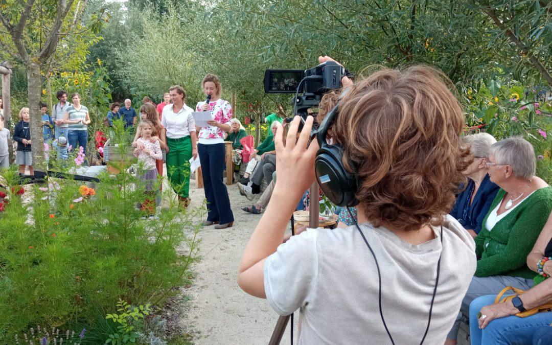 Videoreporters bij het oogstfeest op Jeugdland